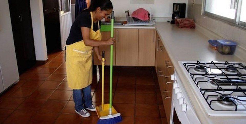 Empleadas domésticas recibirán el segundo aumento del año en septiembre