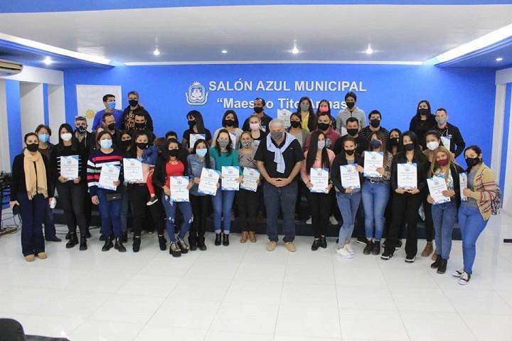 San Bernardo - 40 Docentes Cumplieron el Sueño de Tener la Resolución de Adjudicación de un Terreno
