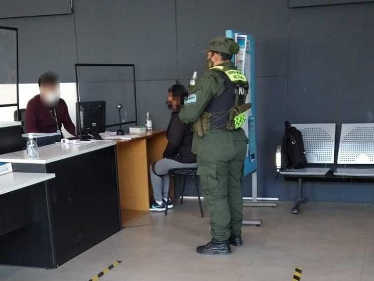Detienen a ciudadana de nacionalidad boliviana con pedido de captura internacional