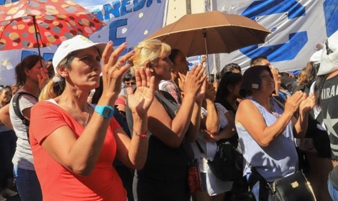 El Movimiento Evita y Barrios de Pie cancelaron la marcha a Casa Rosada por pedido del Presidente