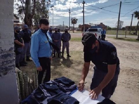 Samuhú: Se realizó la Entrega de Uniformes al Personal Policial