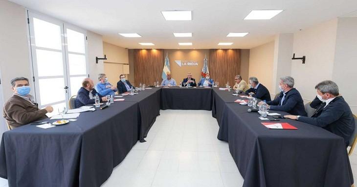 ENCUENTRO EN LA RIOJA DEL PRESIDENTE CON MANDATARIOS PROVINCIALES - Fernández: