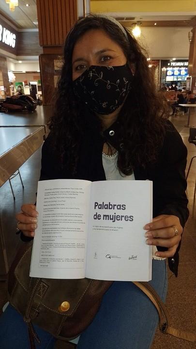 """""""Palabras de Mujeres"""" Un libro Editado y Compilado por la Villangelense Noelia Díaz"""