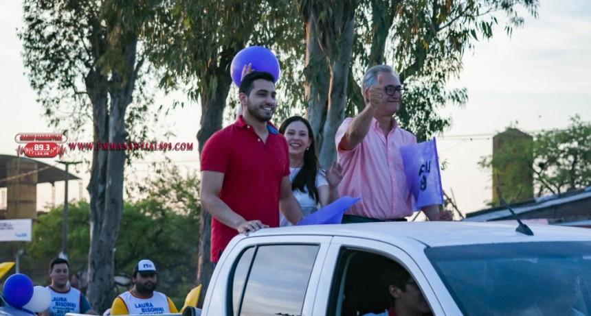 """Con una Caravana realizo el cierre  de Campaña  Jorge López: """"Estoy Emocionado, y sorprendido por el gran acompañamiento de la gente"""""""