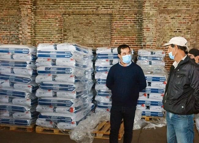Día Mundial del Algodón: el Gobierno entregó semillas de calidad a productores de Juan José Castelli