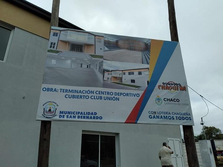 San Bernardo: El Municipio recibió el Piso de Parquet para el Estadio Cubierto del Club Unión