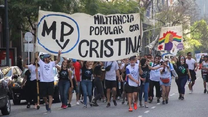 Día de la Lealtad: una multitud de militantes se concentran en Plaza de Mayo