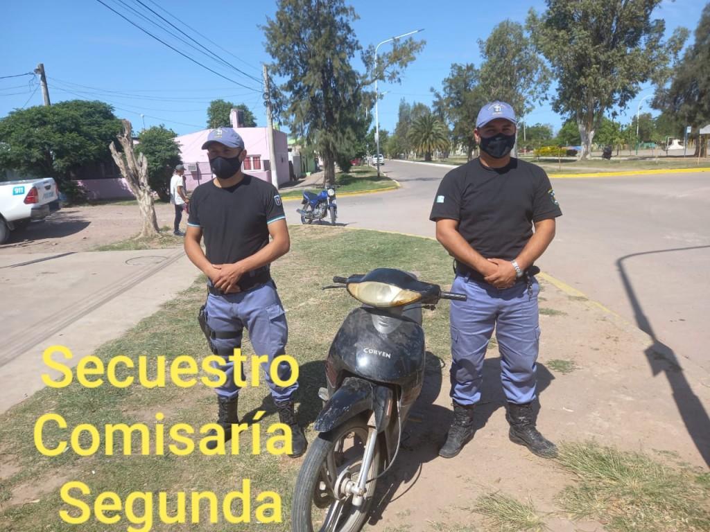 Villa Ángela: EL PERSONAL POLICIAL LOGRÓ EL RECUPERO DE UNA MOTO