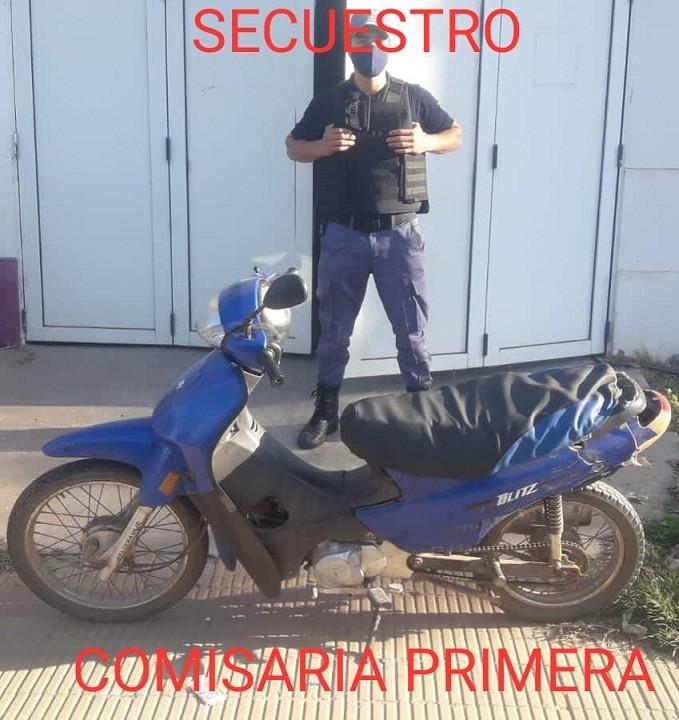 Villa Ángela: Tras persecución Policial, recuperan una Motocicleta que fue sustraída en Colonia Pastoril