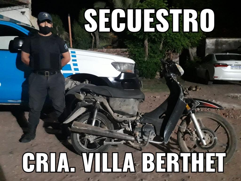 Villa Berthet: RECUPERAN UNA MOTO Y DETIENEN A UN HOMBRE DE 24 AÑOS ORIUNDO DE BUENOS AIRES