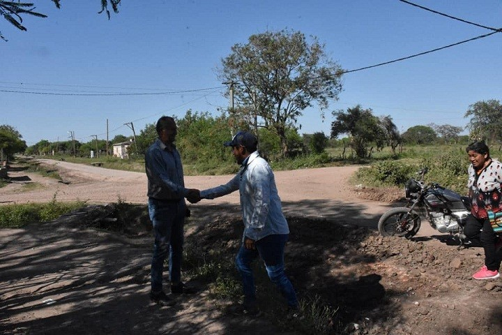 Villa Ángela: El Intendente Papp indicó que se Completarán 10 Km de Ripio en la Ciudad